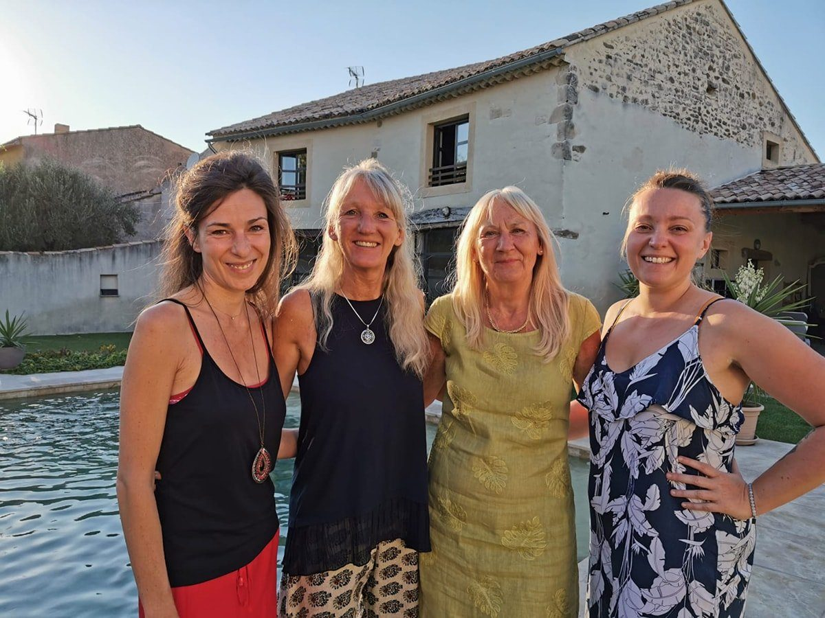 photo de l'équipe Monika Jeûne & bien-être en enclave des papes